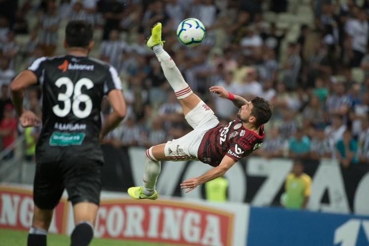 https://www.radiofm97.com.br/uploads/news/Viralizou: torcida do Ceará aplaude gol de Arrascaeta; assista